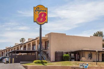 Super 8 Barstow