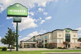 Wingate by Wyndham Hotel & Conf Ctr