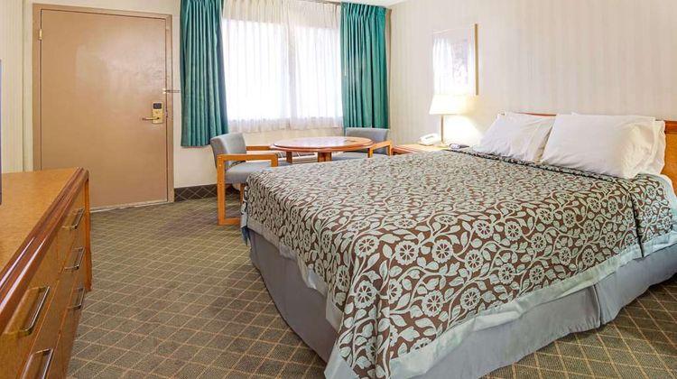 Days Inn Midtown ABQ Room