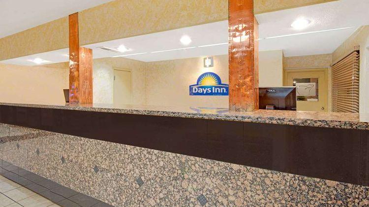 Days Inn Midtown ABQ Lobby