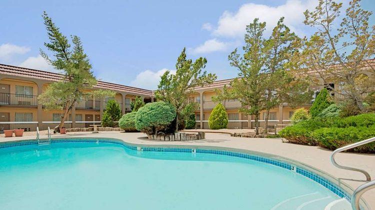 Days Inn Midtown ABQ Pool