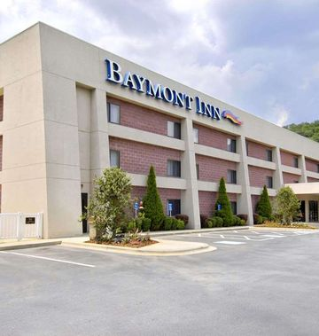 Baymont Inn & Suites Cherokee Smoky Mtns