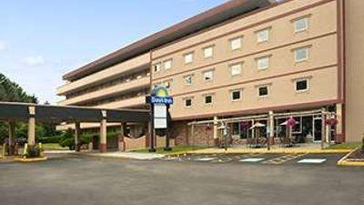 Days Inn Oil City Conference Center