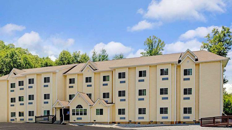 Microtel Inn & Suites Bryson City Exterior