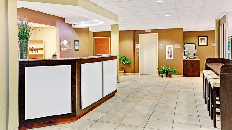 Microtel Inn & Suites Bryson City Lobby