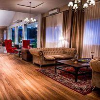 Howard Johnson Hotel & Convention Center