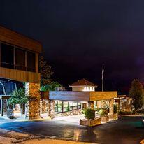 Best Western Plus Landing View Inn Suite