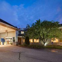 Best Western Plus Windjammer Inn & Conf