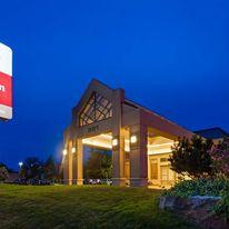Best Western Plus Lamplighter Inn & Conf