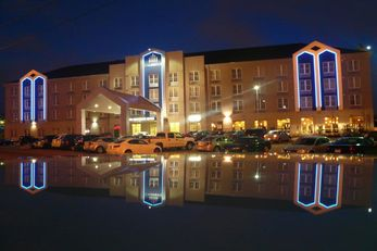 Cambridge Hotel & Conf Center