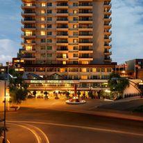 Chateau Victoria Hotel & Suites