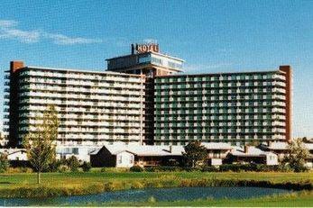 Satellite Hotel