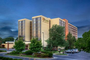 University Plaza Hotel & Convention Cent