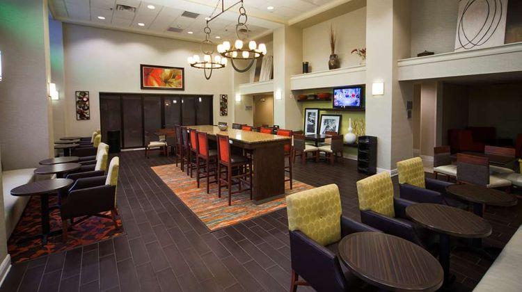 Hampton Inn & Suites Valdosta Conf Ctr Lobby
