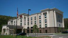 Hampton Inn & Suites Warren
