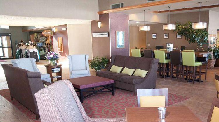 Hampton Inn - Suites Bemidji Lobby