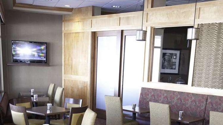 Hampton Inn - Suites Bemidji Restaurant
