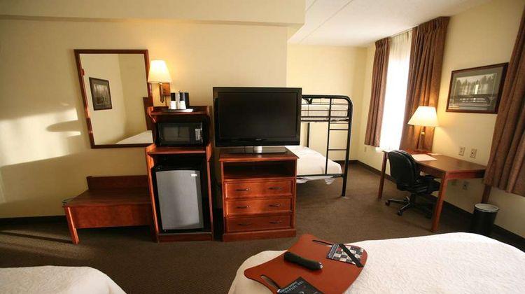 Hampton Inn - Suites Bemidji Room