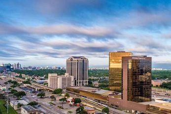 DoubleTree Hotel Dallas-Campbell Centre