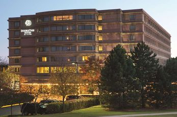 Doubletree Guest Suites & Conference Ctr
