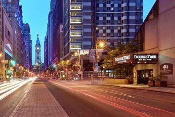 DoubleTree by Hilton Hotel Center City