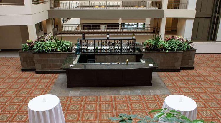 Doubletree Suites Hilton Philadelphia W Lobby