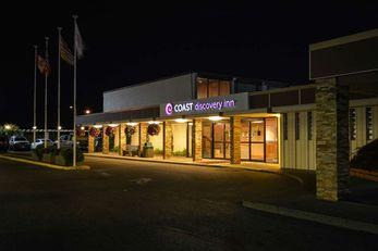The Coast Discovery Inn and Marina