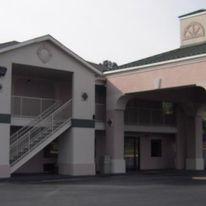 Country Hearth Inn