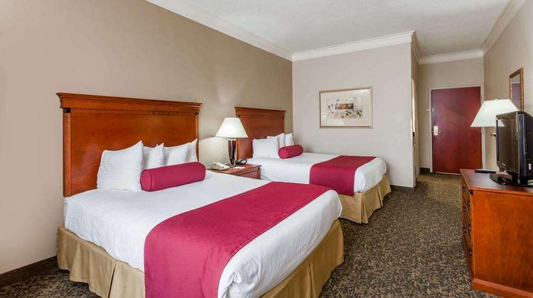 Baymont Inn & Suites Madisonville Room
