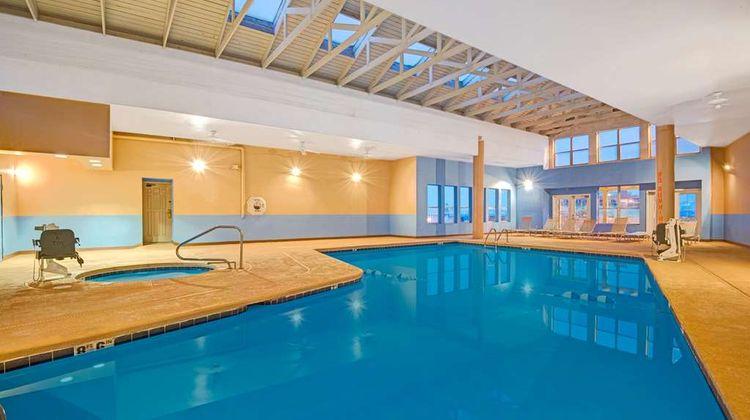 Howard Johnson Albuquerque Midtown Pool