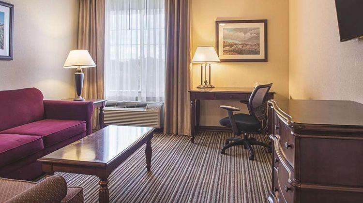 La Quinta Inn & Suites Trinidad Suite