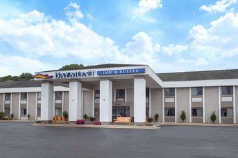 Baymont Inn & Suites Grand Haven