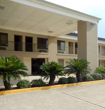 Motel 6 Luling