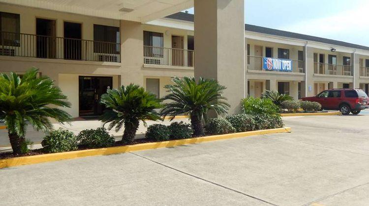 Motel 6 Luling Exterior