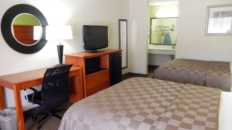 Motel 6 Luling Room