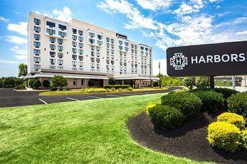 Harborside Hotel Oxon Hill