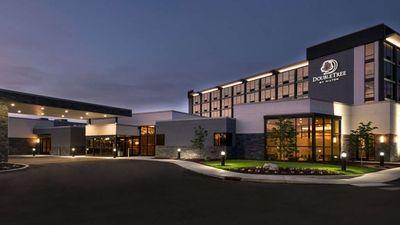 DoubleTree by Hilton Lafayette East