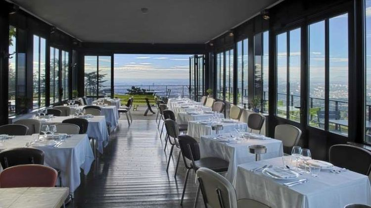 L'Ermitage Hotel Cuisine-a-manger Restaurant