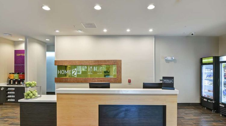 Home2 Suites by Hilton Summerville Lobby