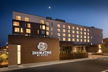 DoubleTree Greeley at Lincoln Park