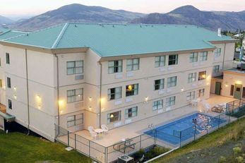 Pacific Host Inn & Suites
