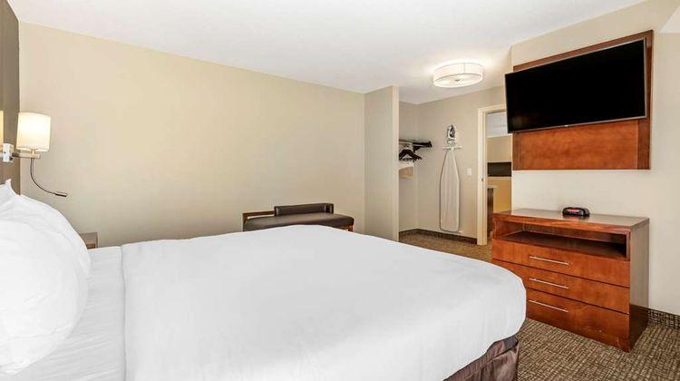 Comfort Suites Red Bluff Suite