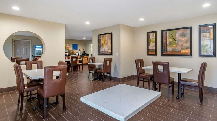 Comfort Suites Red Bluff Restaurant