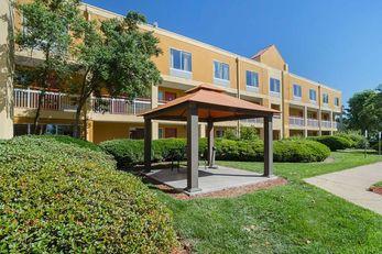 Durham Medical Park Inn & Suites