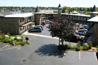 Weathervane Terrace Inn & Suites