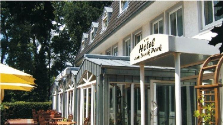 Hotel Am Lunik Park Exterior