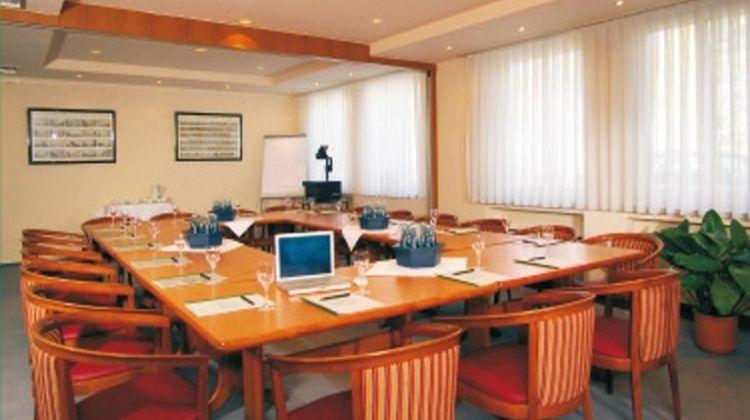 Hotel Am Lunik Park Meeting