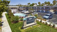 Eden Roc Inn & Suites