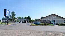 AmeriVu Inn & Suites Hayward