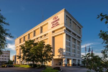 Crowne Plaza Suites Pittsburgh South